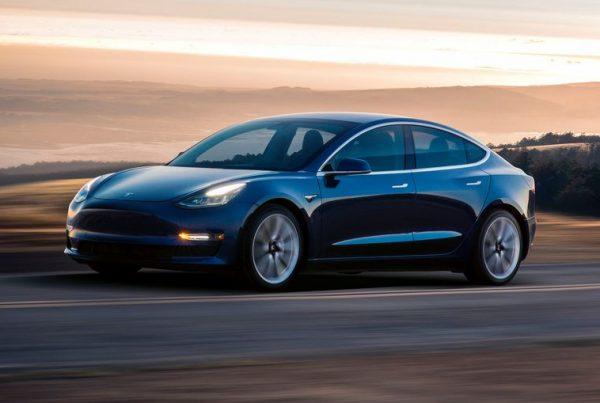 Tesla Model 3 Blauw - Auto Leasen bij Zuidlease
